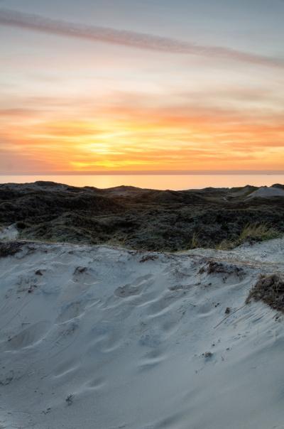 Udsigt over vesterhavet ved solnedgang